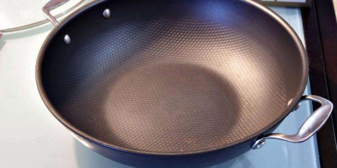 Из каких материалов изготавливают вок-сковороды